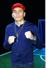 Omar Chávez quiere encumbrarse en todo lo alto del boxeo.
