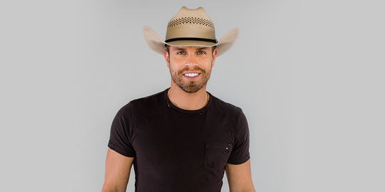 Dustin Lynch will perform at the Oregon State Fair at 7 p.m. Friday, Aug. 23.