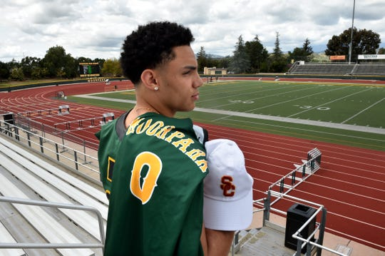 Drake London had 62 receptions for 1,089 yards and 12 touchdowns and averaged 17.6 yards per catch on the football field and scored 902 points (No. 3 all-time for a single season in county history) on the basketball court in his senior season at Moorpark High. He will play both sports at USC.