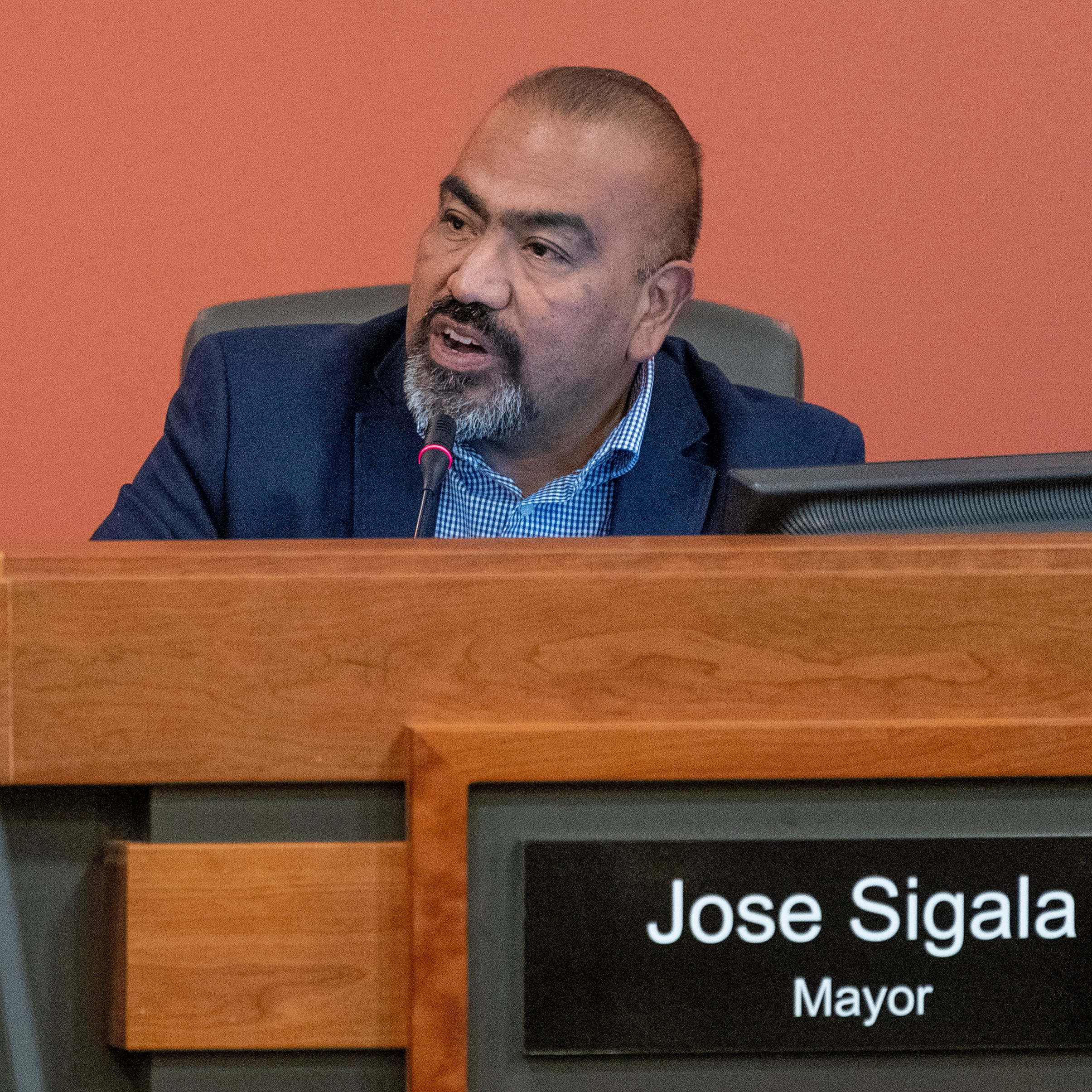 It's viva Las Vegas for Tulare city councilmen after heated debate