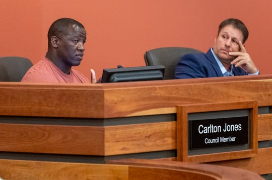 Councilmen Carlton Jones, left and Greg Nunley during a Tulare City Council meeting on Tuesday, April 2, 2019.