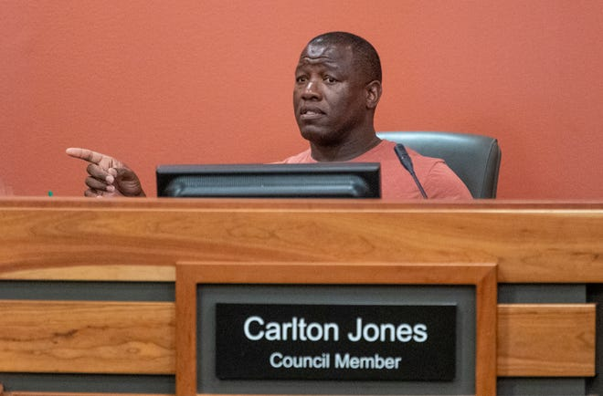 Councilman Carlton Jones speaks during a Tulare City Council meeting on Tuesday, April 2, 2019.