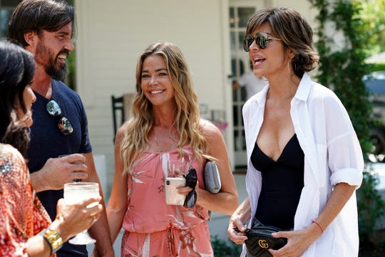 THE REAL HOUSEWIVES OF BEVERLY HILLS -- Pictured: (l-r) Denise Richards, Lisa Rinna -- (Photo by: Nicole Weingart/Bravo)