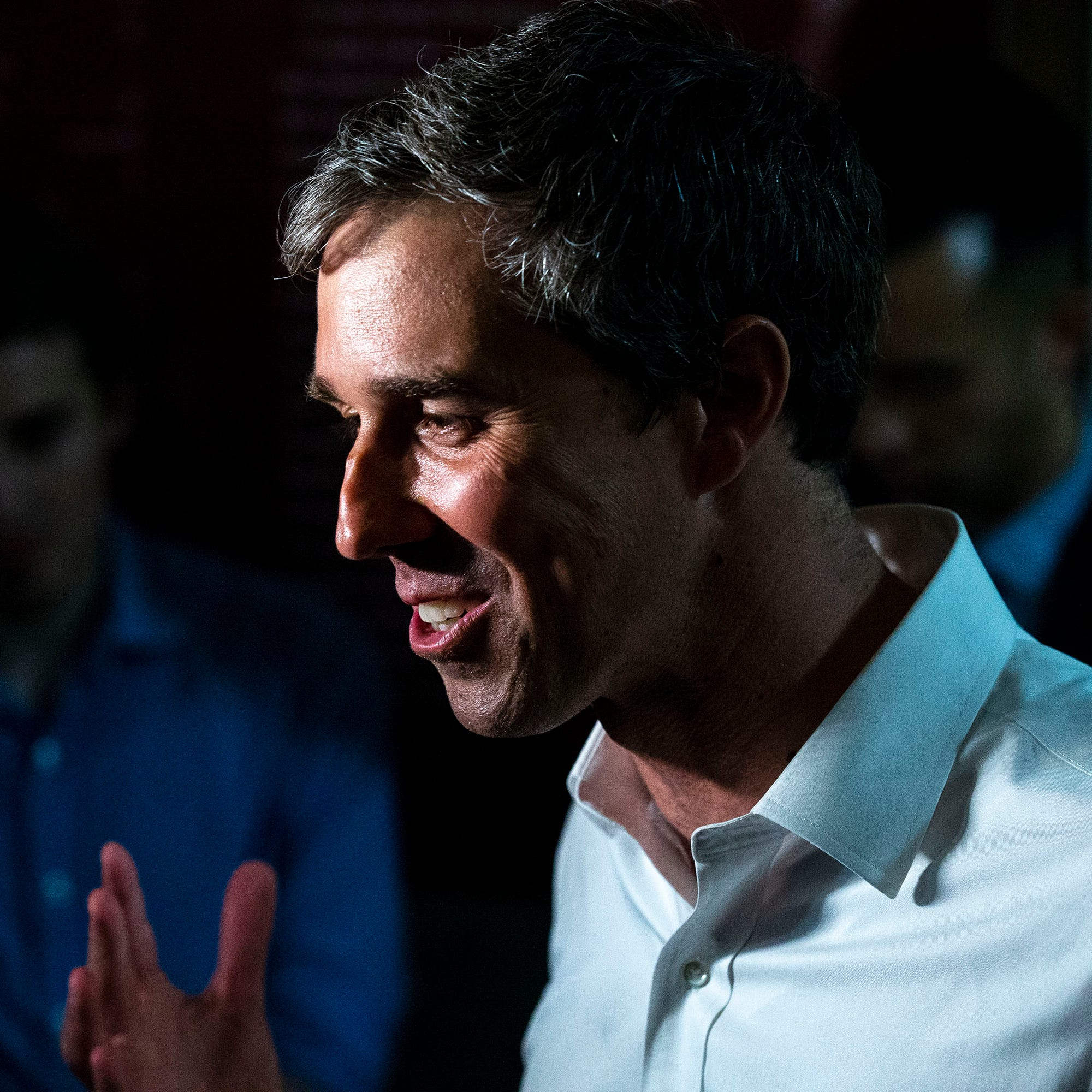 Beto O'Rourke visits Iowa town impacted by flooding, connects disaster to climate change