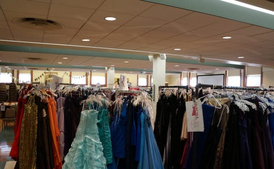 Comerica Bank is hosting its third annual Prom Dress Drive, April 8-26, 2019, in support of nonprofit, Hope Closet. Dresses must be new or gently used and will be sent to the organization to help dress young girls for special school events.