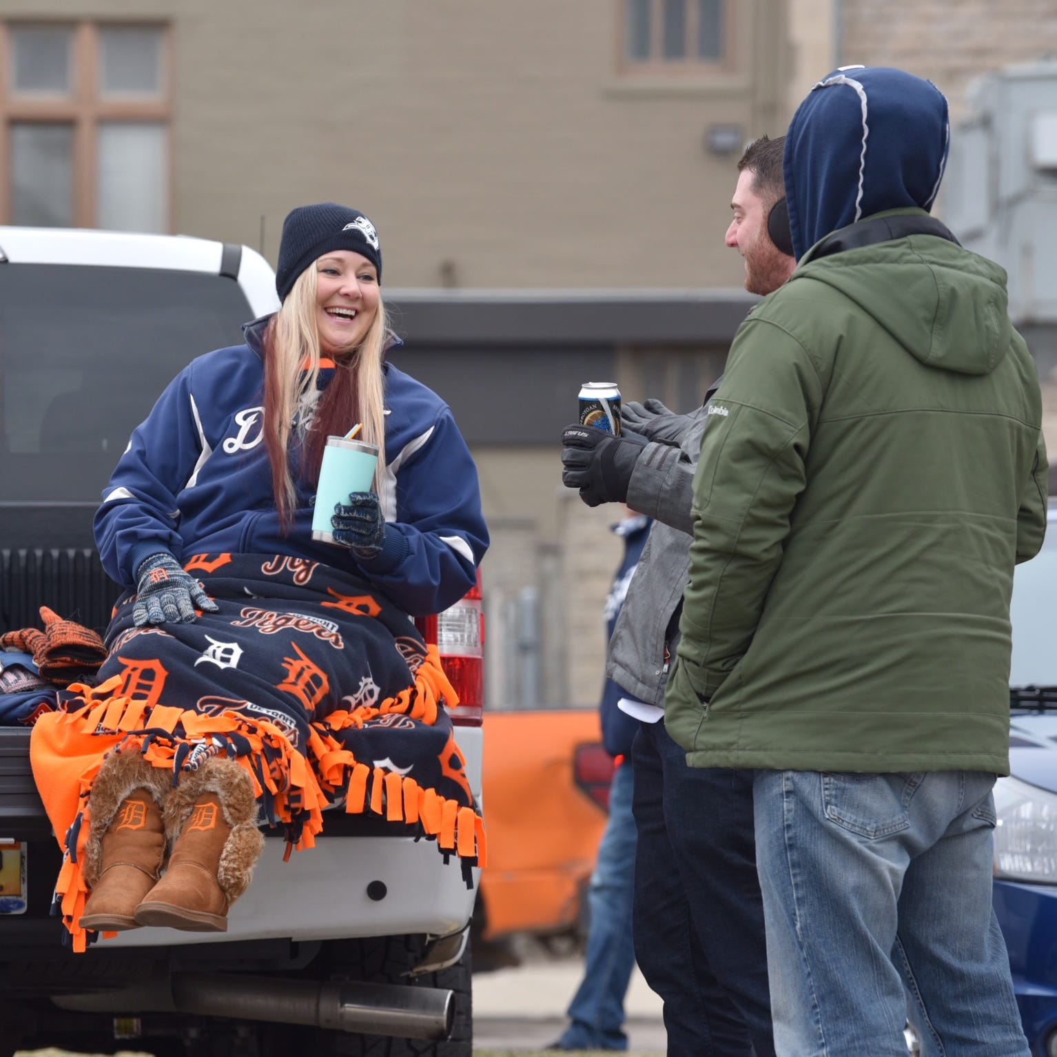 Tigers home opener live: A cold one on a cold day