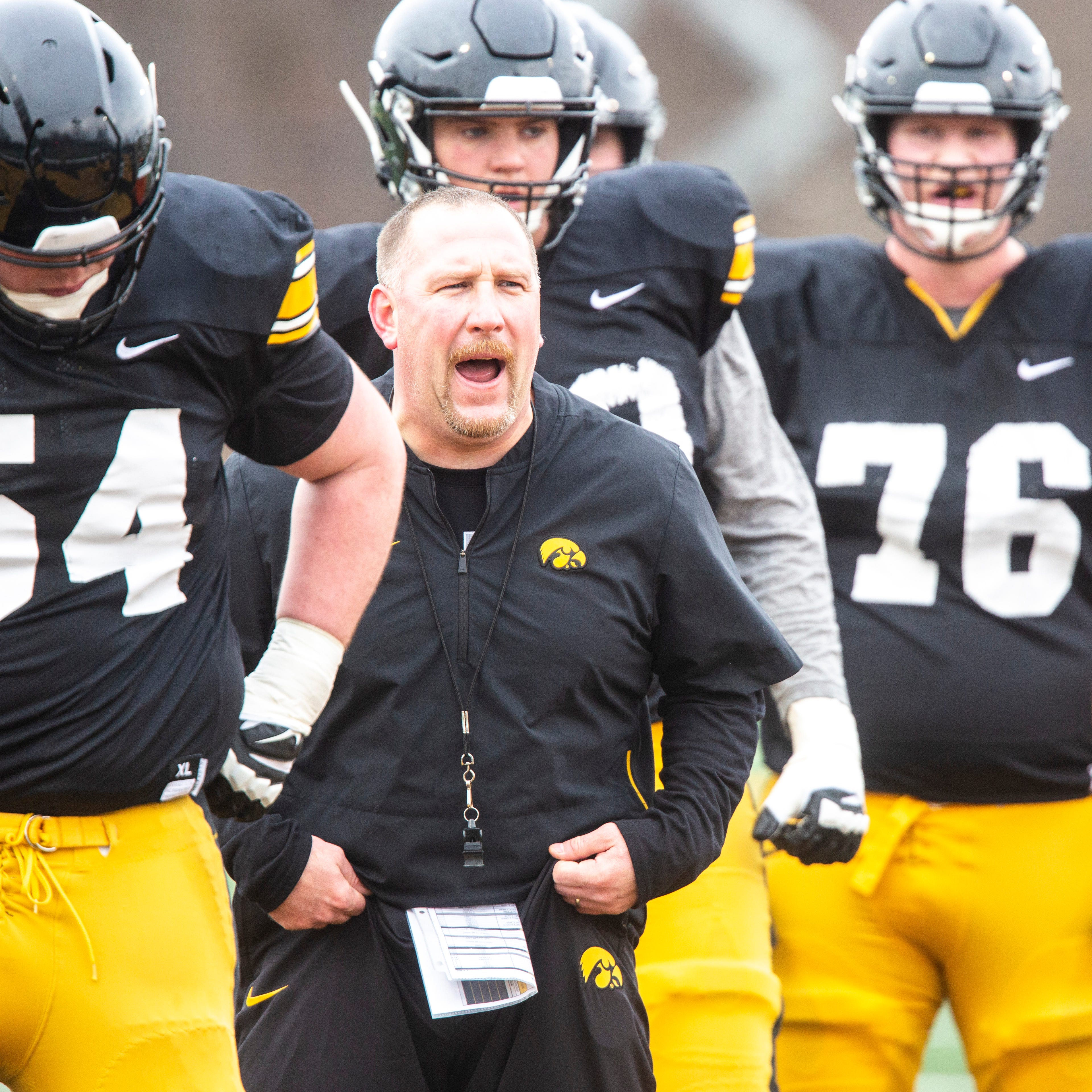 Leistikow's 8 thoughts on Iowa offense: Hawkeyes lean on terrific tackles; run game seeks magic number