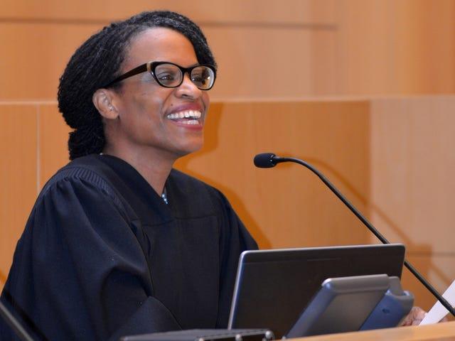 Stingl: Milwaukee judge surprises 'mom' at citizenship ceremony