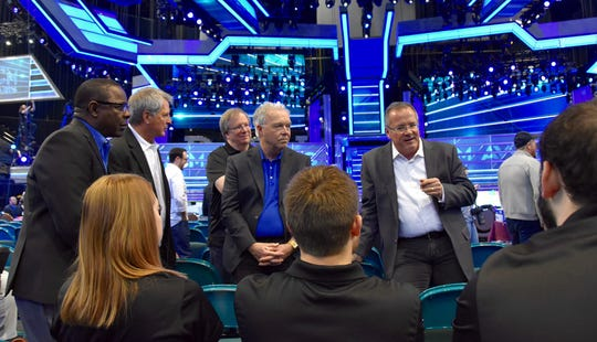 Academy of Country Music CEO and MTSU alumnus Pete Fisher, standing at right, holds a class Sunday, April 15, for five students from MTSU's Department of Media Arts on the floor of the 2018 ACM Awards Show at the MGM Grand Hotel and Casino's Grand Garden Arena in Las Vegas. From left, facing camera, are MTSU President Sidney A. McPhee, Media Arts Chair Billy Pittard, Media Arts professor Bob Gordon and College of Media and Entertainment Dean Ken Paulson.