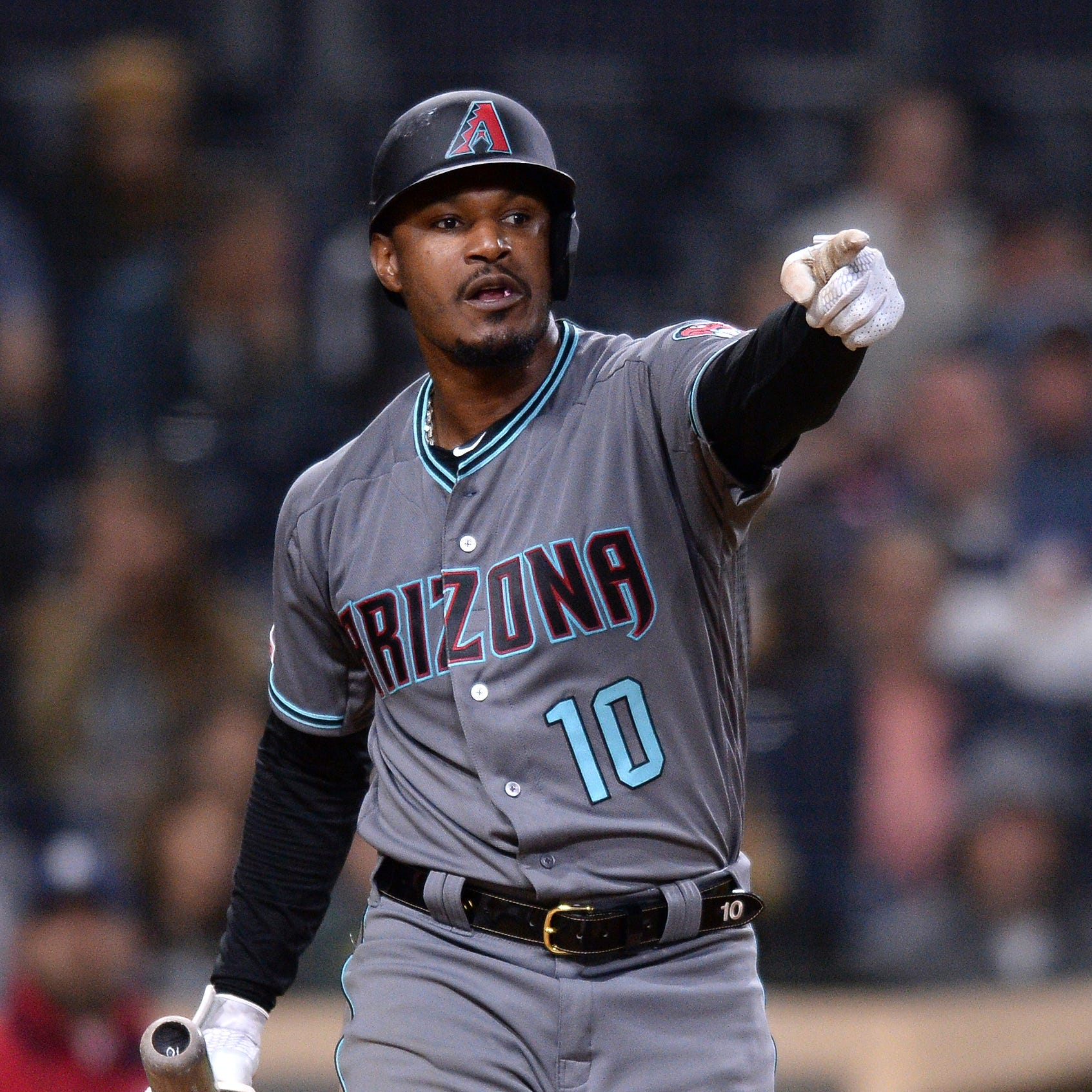 Diamondbacks' Adam Jones has Petco Park fan ejected for vulgar language