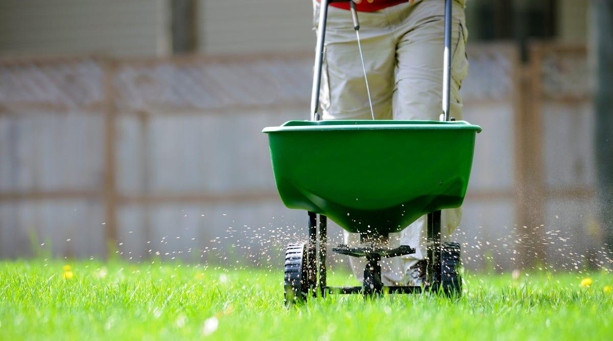 Gardening The Fertilizer Deadline Nears
