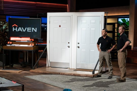 Clay Banks and Alex Bertelli, two entrepreneurs from Nashville, Tennessee, pitch Haven Lock, their smart security product to help keep intruders out of the home.  But the demo goes horribly wrong.