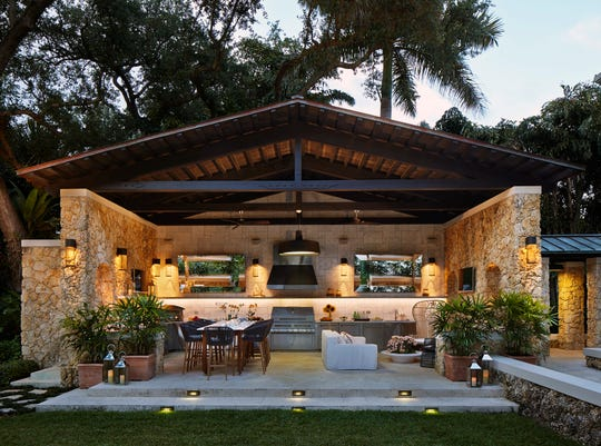 High-end outdoor kitchen areas are becoming more within reach for homeowners as a result of budget-friendly design trends.