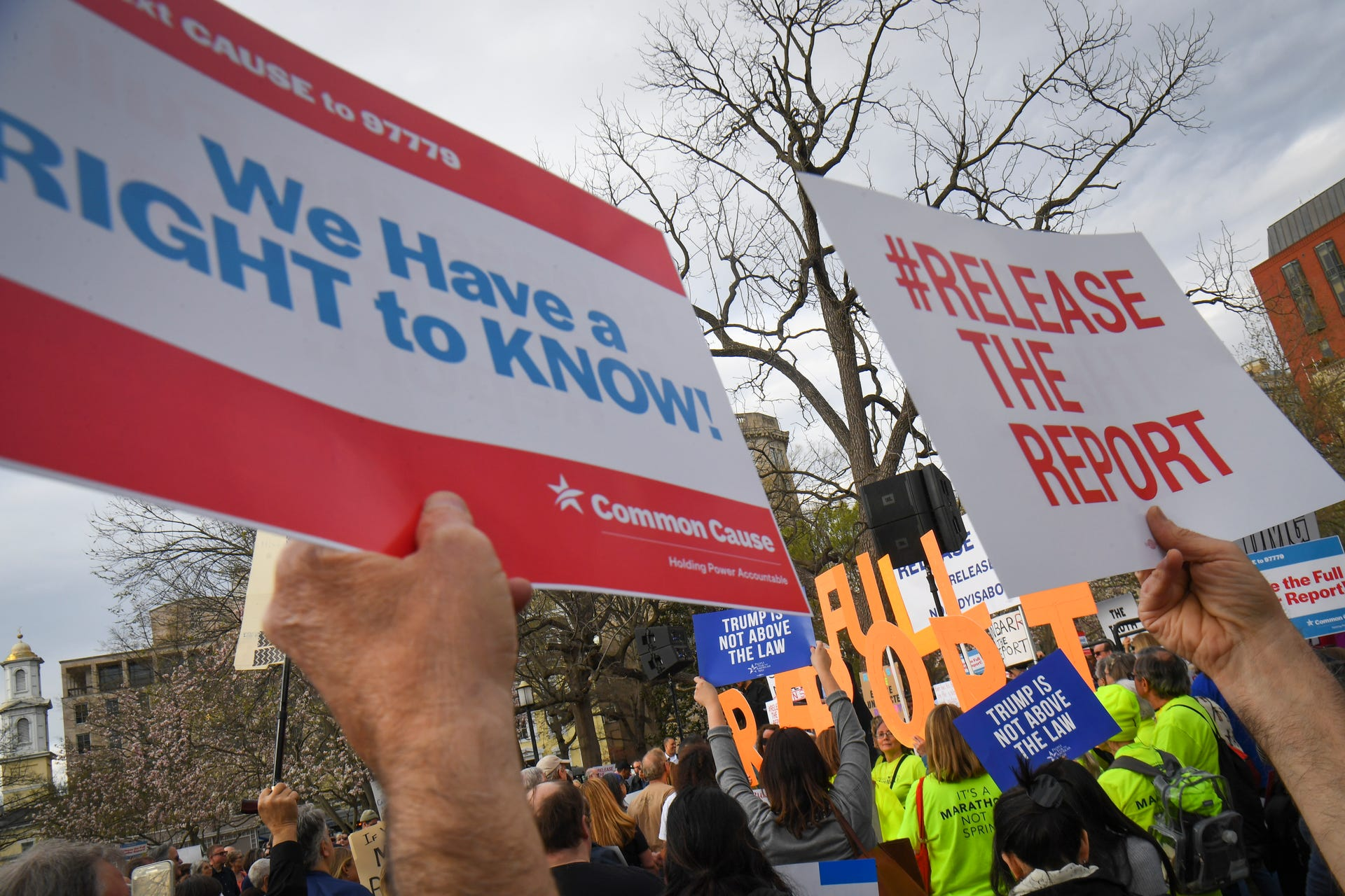 Rallies demand that the Mueller report be released
