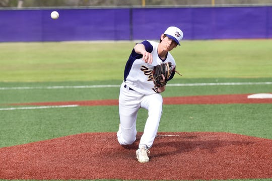 Wylie pitcher Walker Piland (29) lets go of the ball against Aledo. Piland allowed two earned runs in six innings and struck out five as the Bulldogs won 10-8.