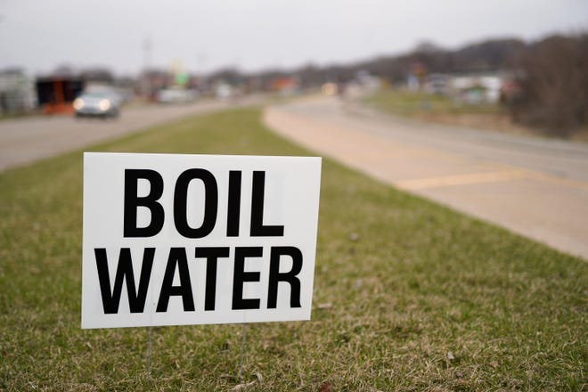 A boil water notice was issued July 12, 2019 for Robert Lee, Texas after a drop in pressure during repairs to the distribution system.