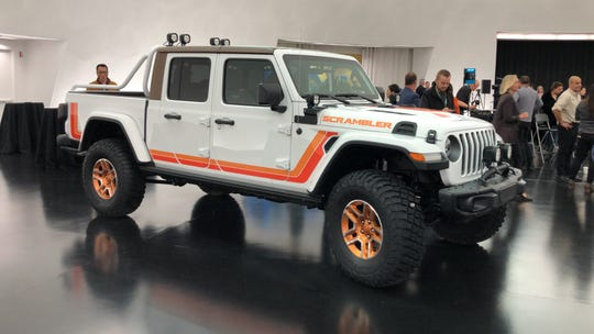 The Jeep Gladiator Scrambler pickup has '80s colors  and design cues.
