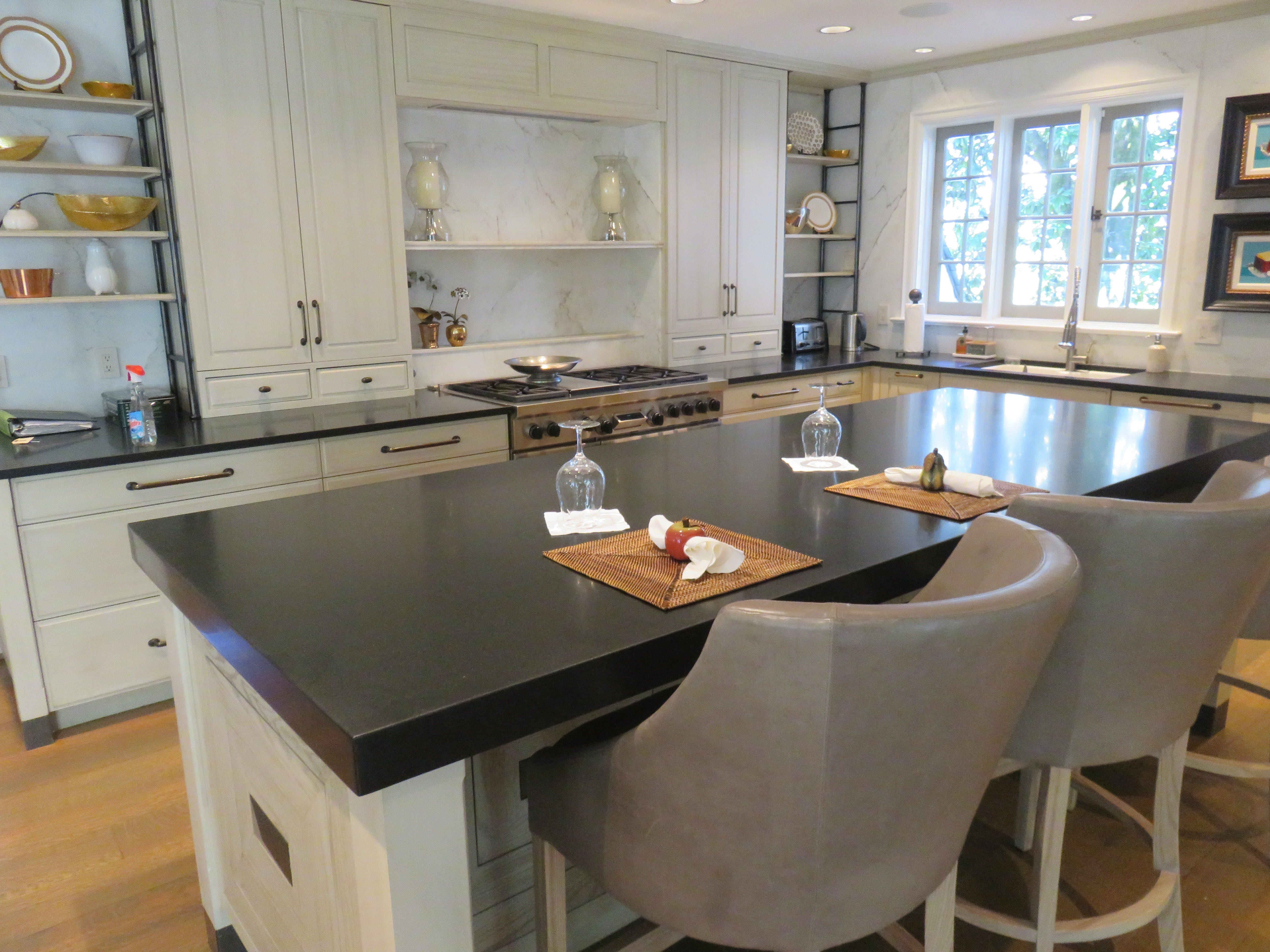 The kitchen of Magnolia Bluff was completely remodeled in recent years.