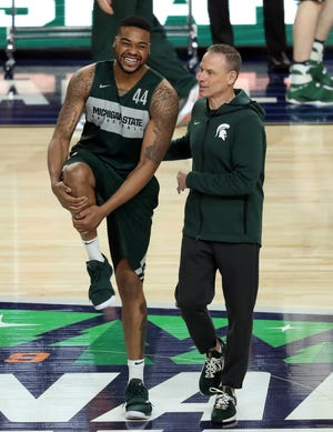 Doug Wojcik, right, has been back with Michigan State's men's basketball program since 2018 as the program's recruiting director. He's taking over for Dane Fife as an assistant coach.