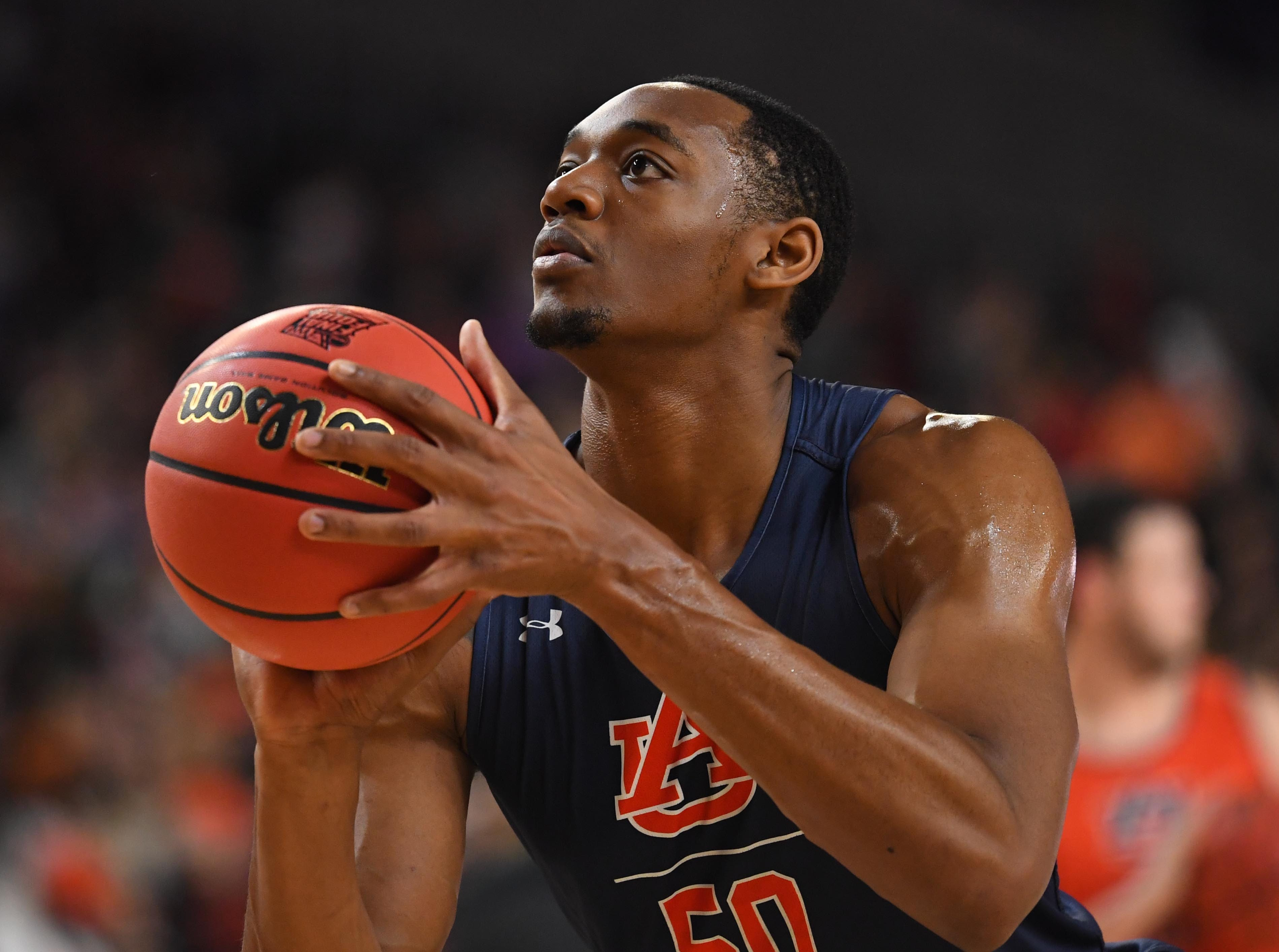 Apr 5, 2019; Minneapolis, MN, USA; Auburn Tigers center Austin Wiley (50) during practice for the 2019 men's Final Four at US Bank Stadium. Mandatory Credit: Robert Deutsch-USA TODAY Sports