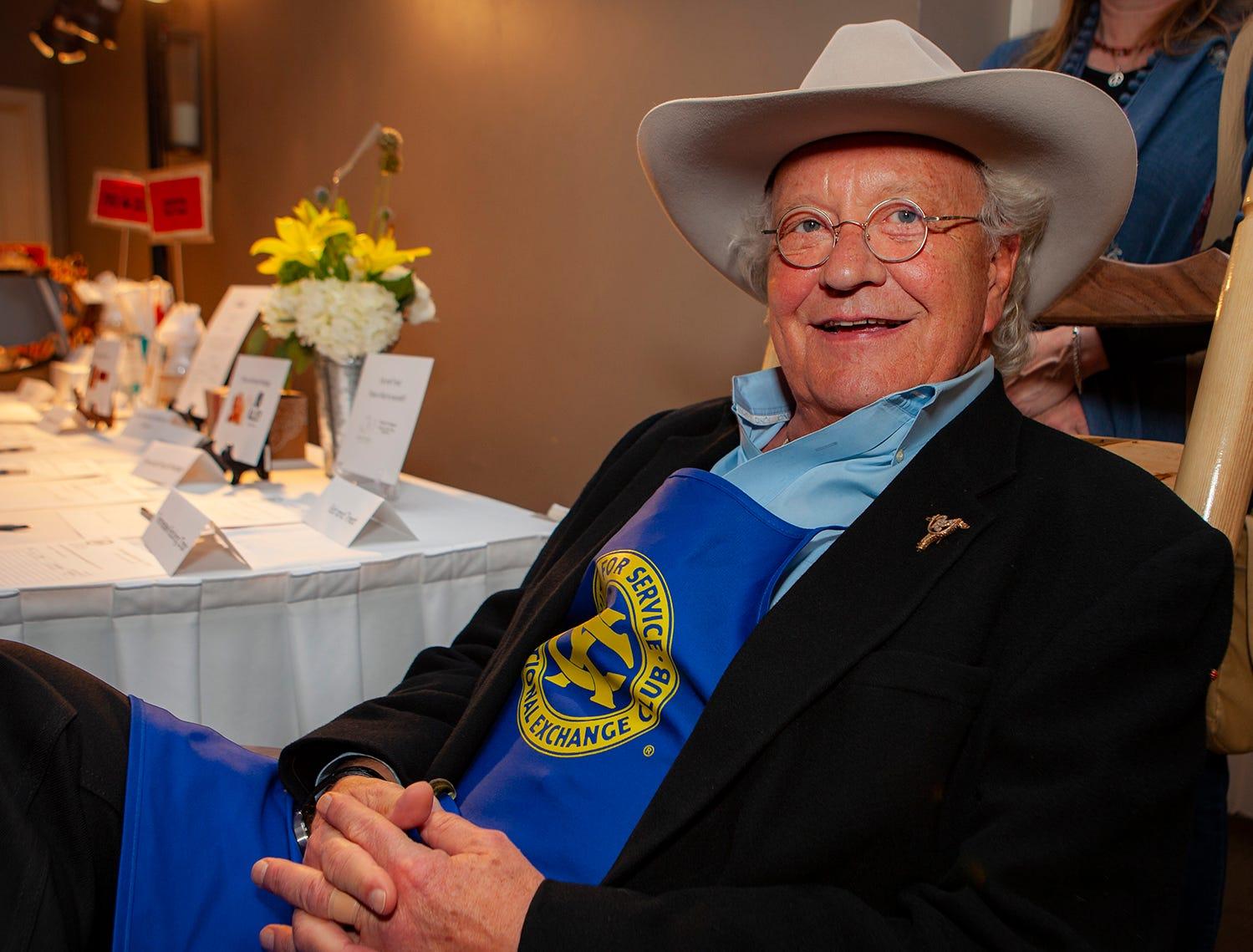 Rex Allen Jr. at the Exchange Club Celebrity Waiter lunch.