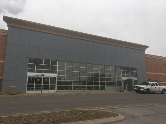 American Signature Furniture will open at the former Toys 'R Us location in Murfreesboro.