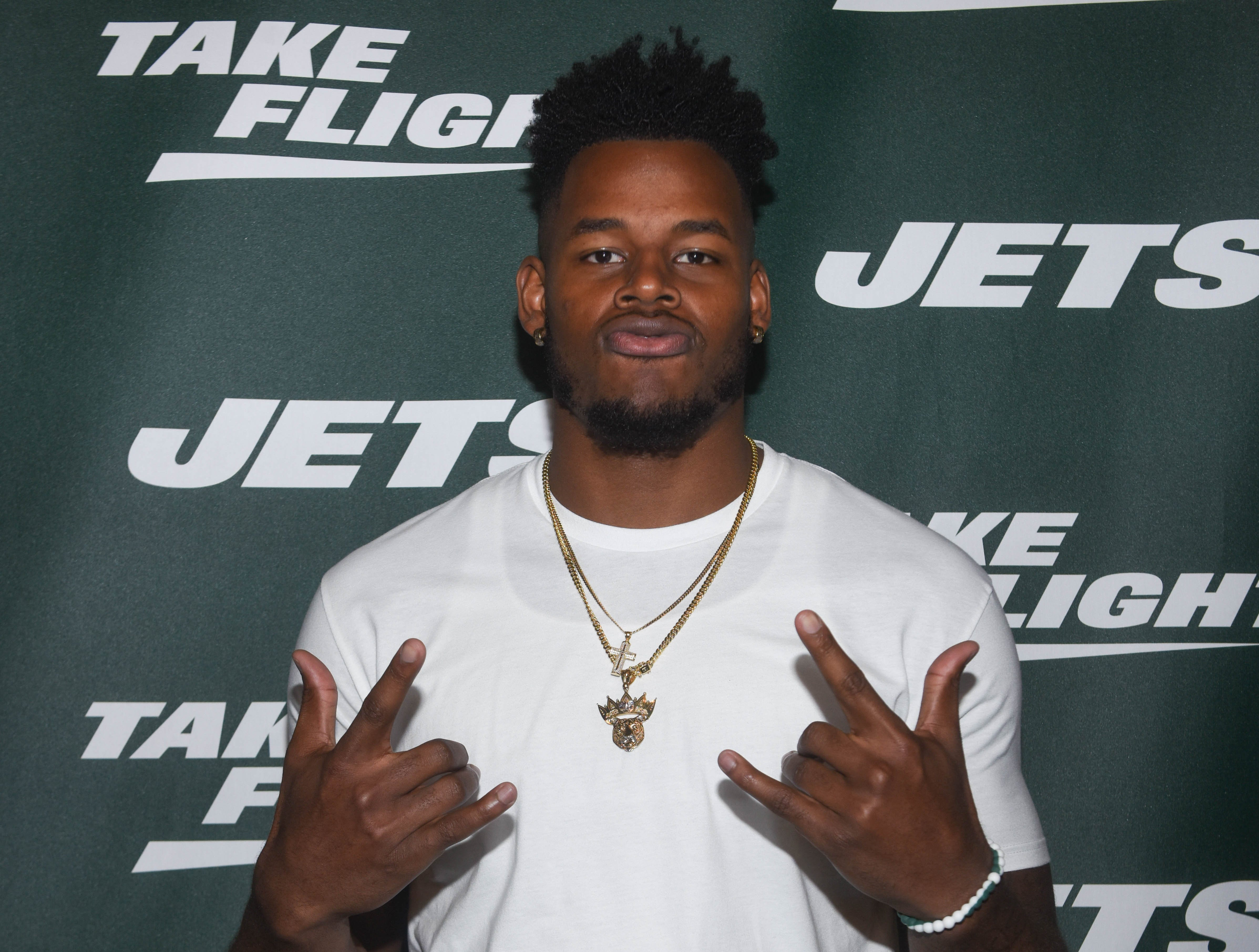 Chris Herndon (NY Jets). The NY Jets unveiled their new football uniforms with an event hosted by JB Smoove at Gotham Hall in New York. 04/05/2019