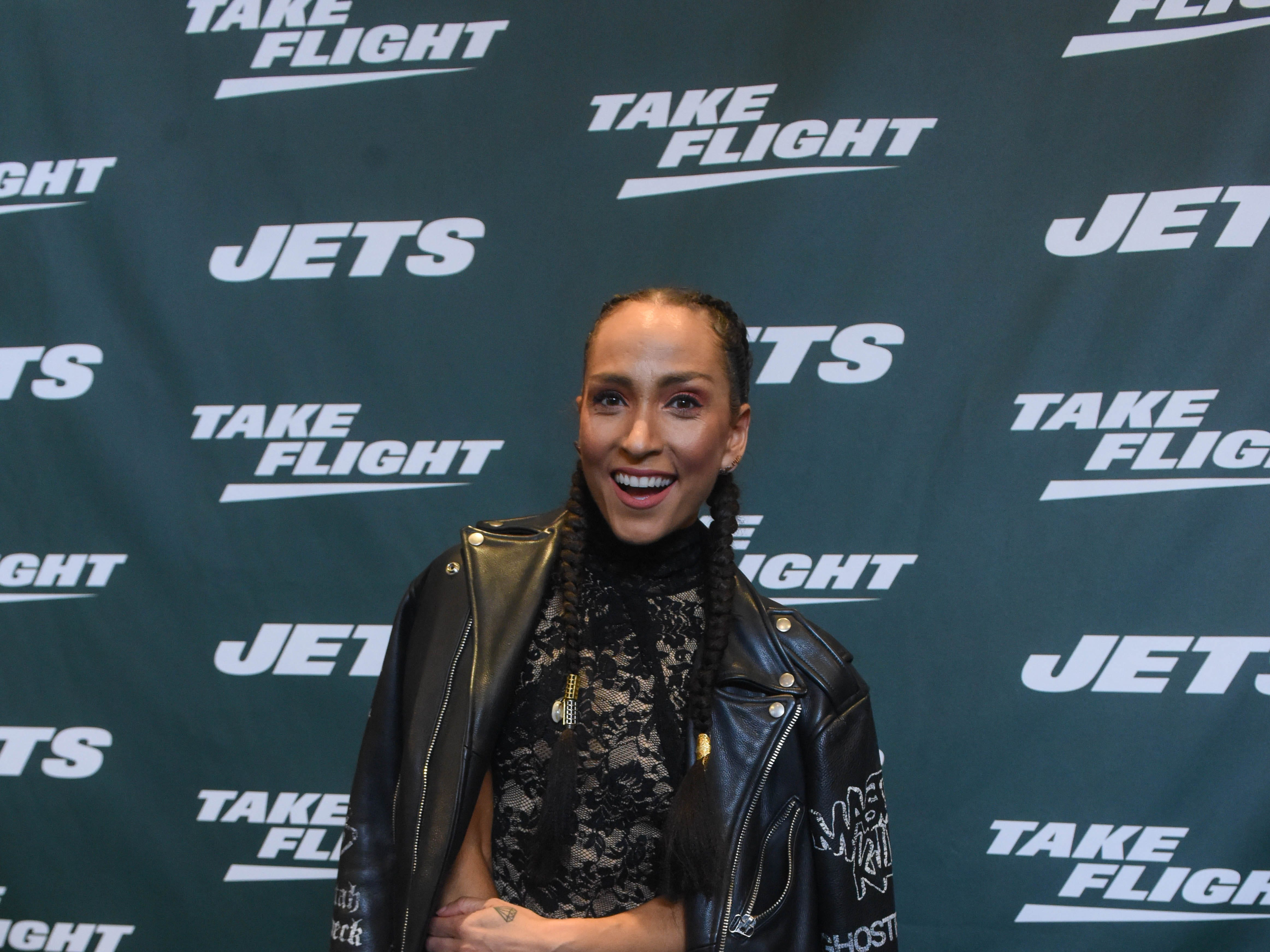 Robin Arzon (Author). The NY Jets unveiled their new football uniforms with an event hosted by JB Smoove at Gotham Hall in New York. 04/05/2019