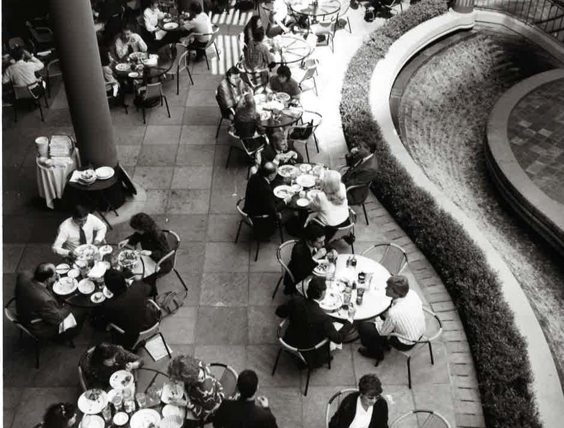 Visitors dining on the Arizona Center patio on March 20, 1992.
