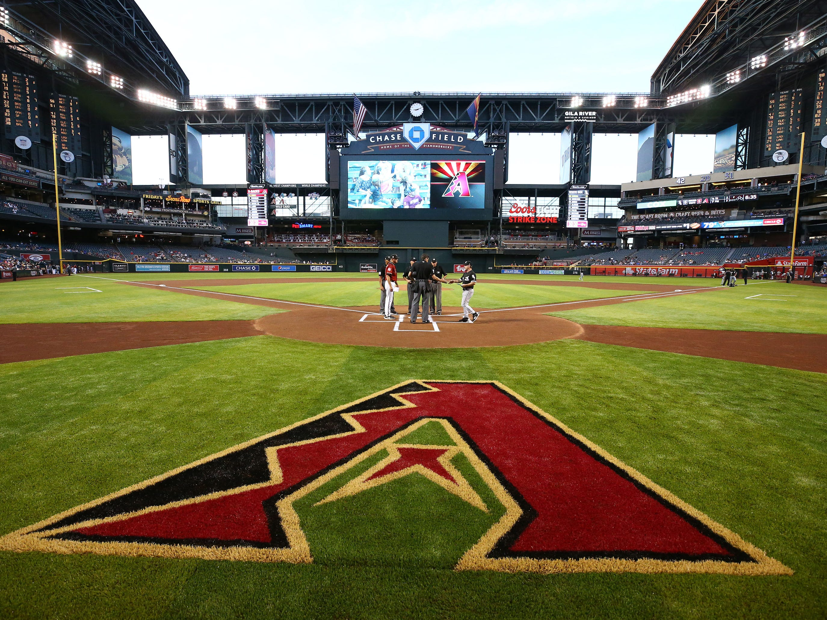"Arizona Diamondbacks installed Shaw ÒB1K"" synthetic grass over the off season, replaying their natural grass field on Mar. 25, 2019 at Chase Field in Phoenix, Ariz."