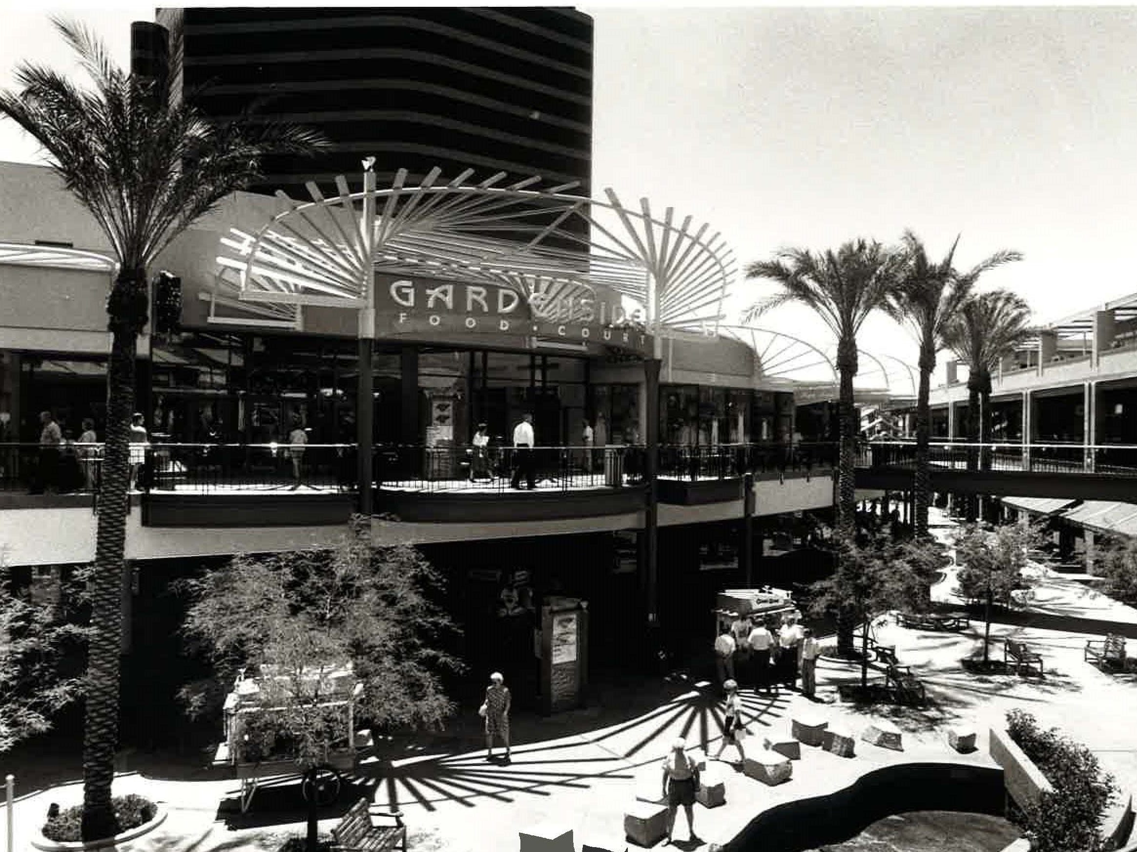 A view of the Arizona Center in June 1991.