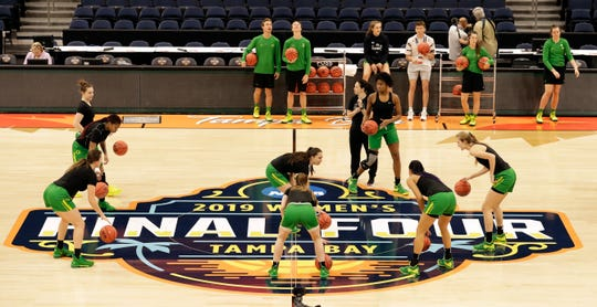 Oregon players work on a drill during a practice session for the women's Final Four NCAA college basketball semifinal game against Baylor Thursday, April 4, 2019, in Tampa, Fla.