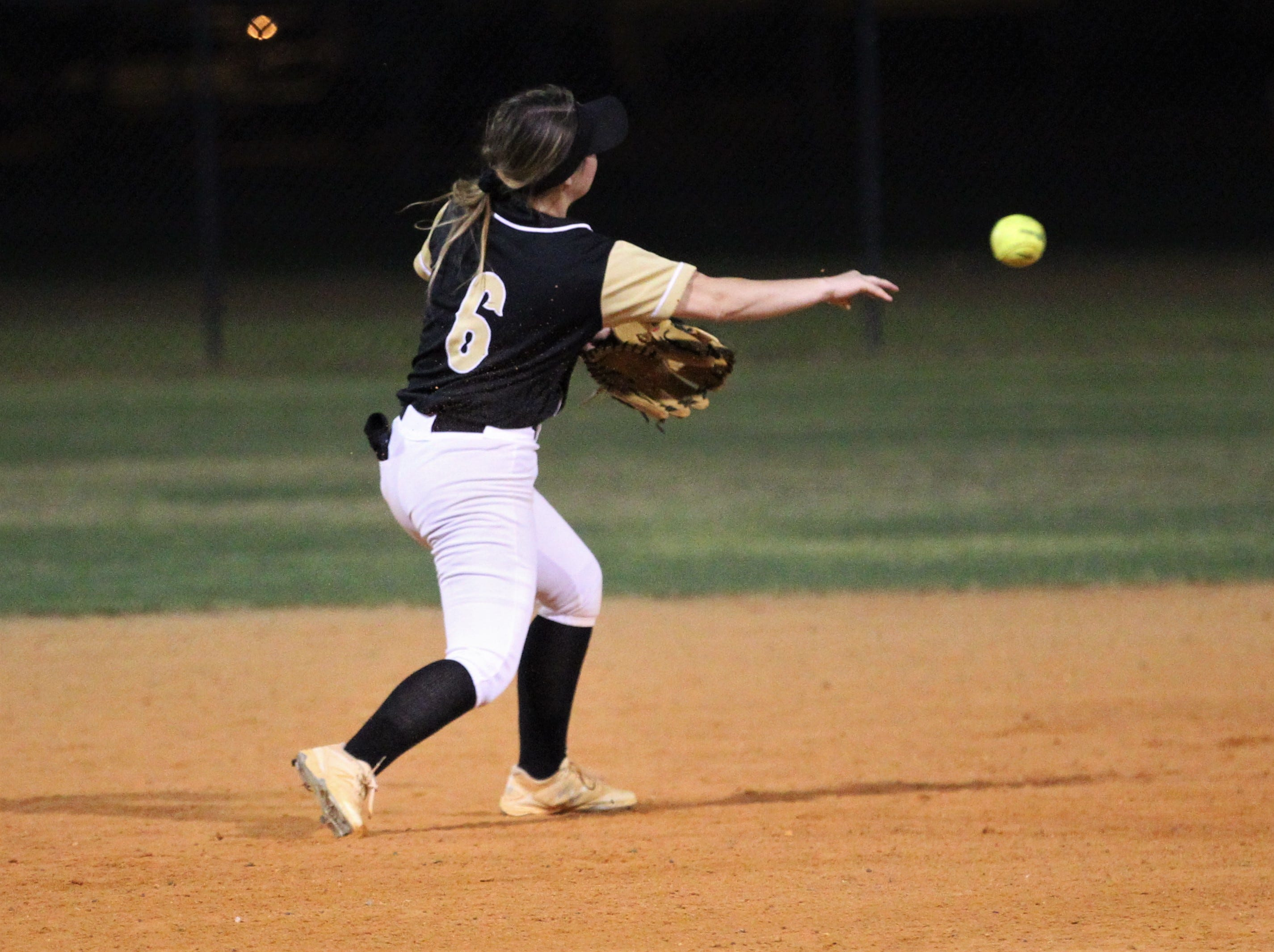 Lincoln senior shortstop Shelby Sloan throws to second base for an out as Lincoln's softball team beat Florida High 7-3 on Thursday, April 4, 2019.
