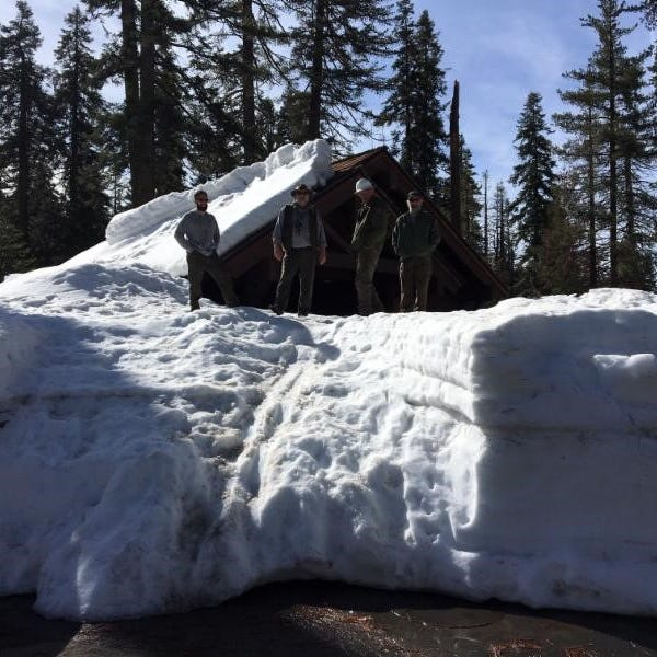 Heavy snows will delay campers in Sequoia, Kings Canyon national parks