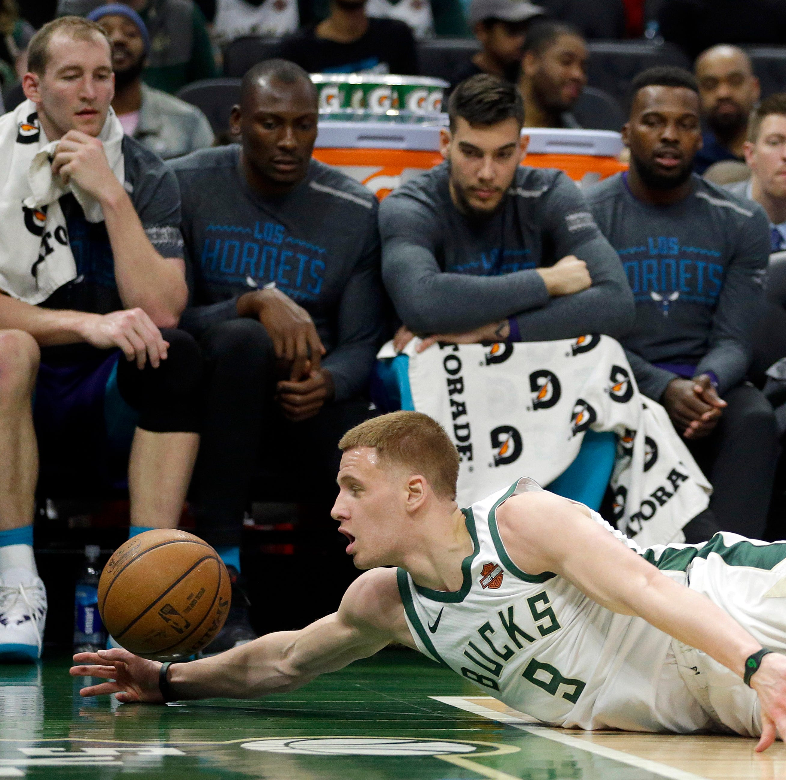 Delaware's Donte DiVincenzo learning about NBA, dealing with injury in homecoming vs. 76ers