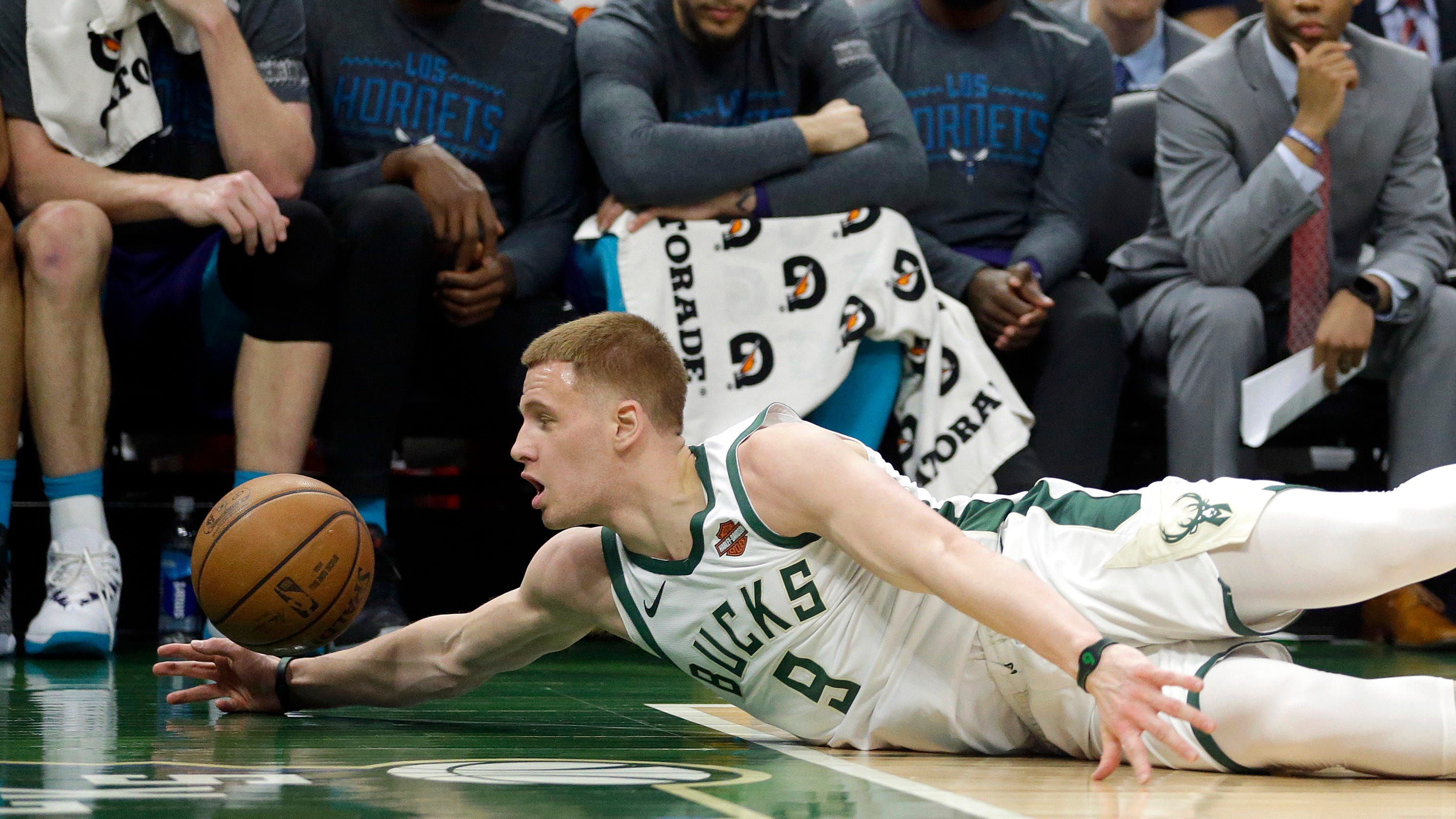 bd002a929ac5 Villanova star Donte DiVincenzo learning about NBA