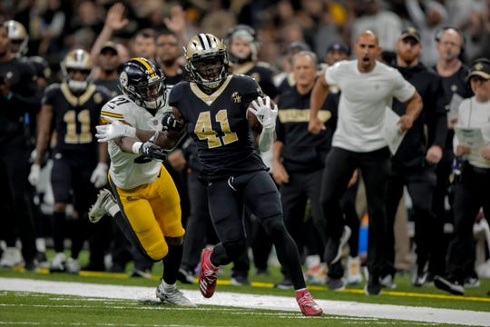 The Steelers and Saints are evidence that black works well in NFL uniforms.