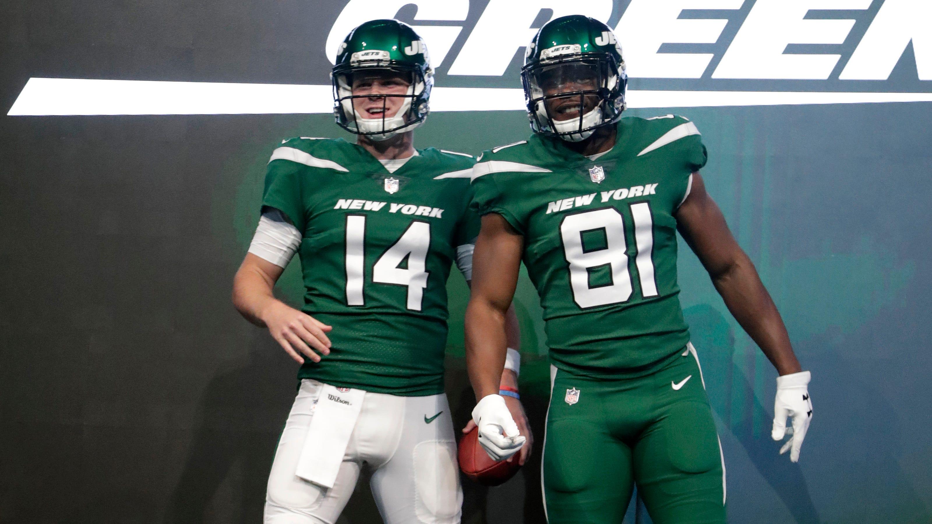 Jets Uniforms Photos Team Unveils New Look Jerseys Helmets Pants