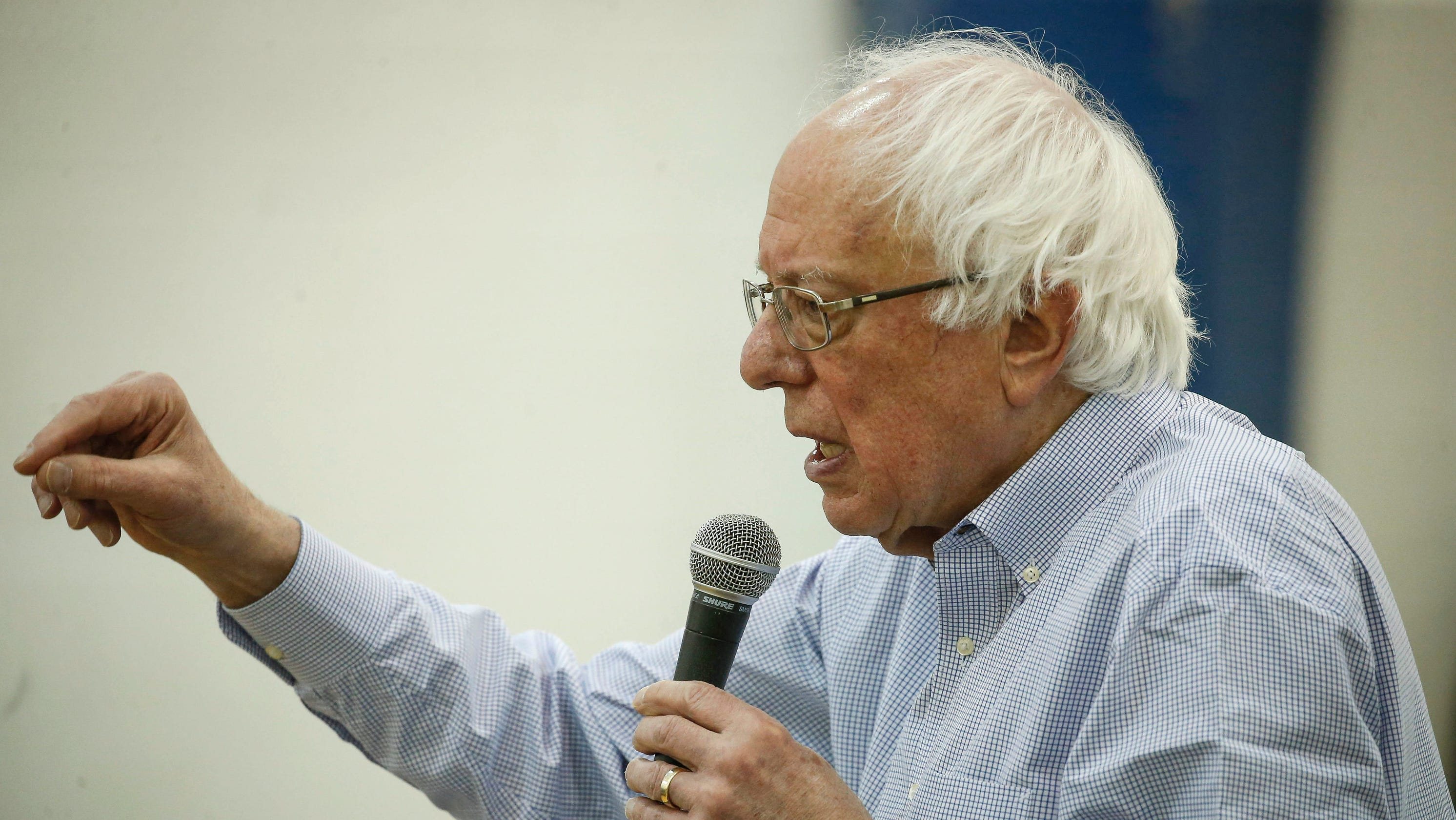 QnA VBage In Iowa, Bernie Sanders says states should allow felons to vote from behind bars