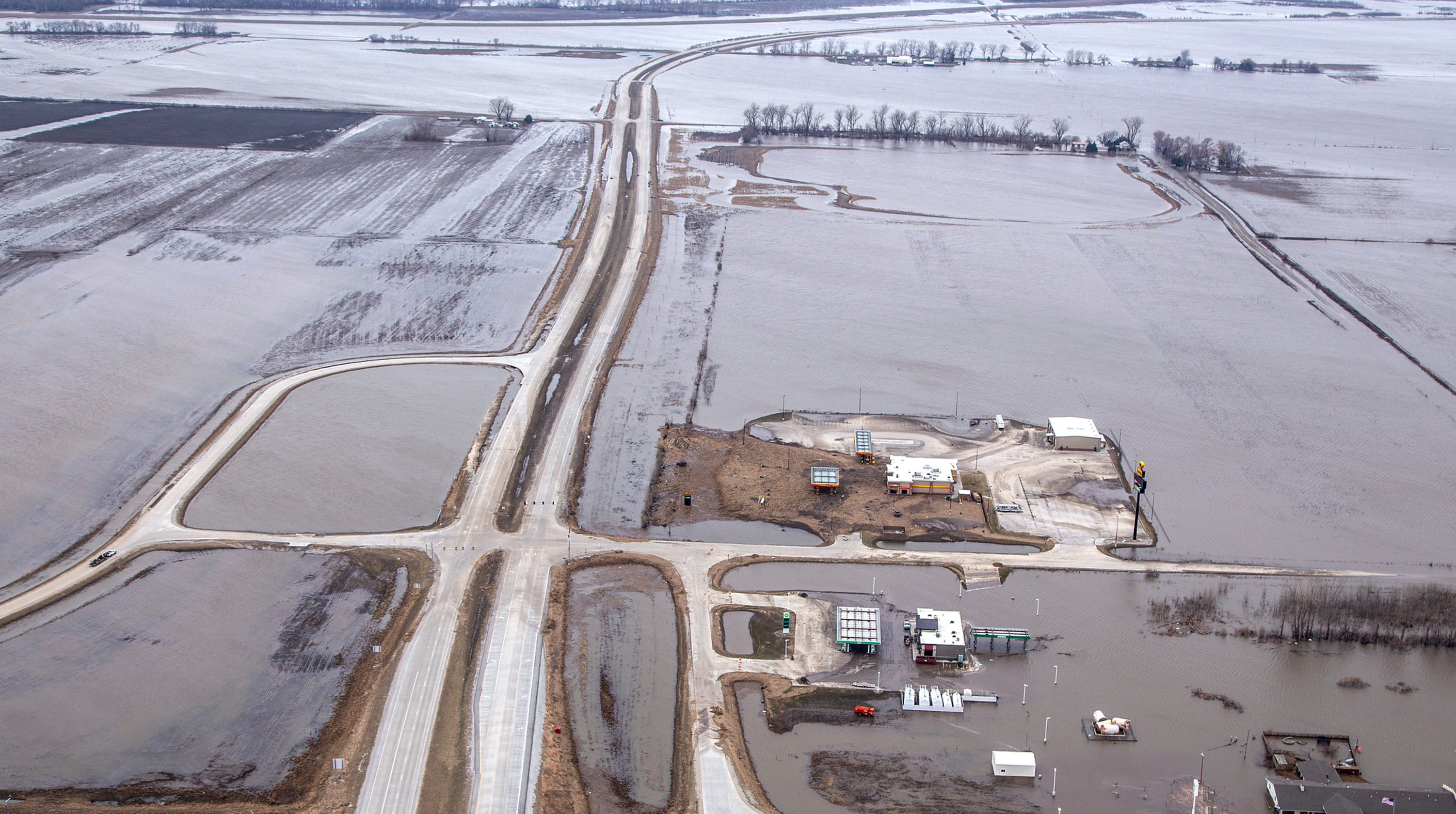 Iowa flooding 2019: Interstate 29 closed in Iowa, Missouri