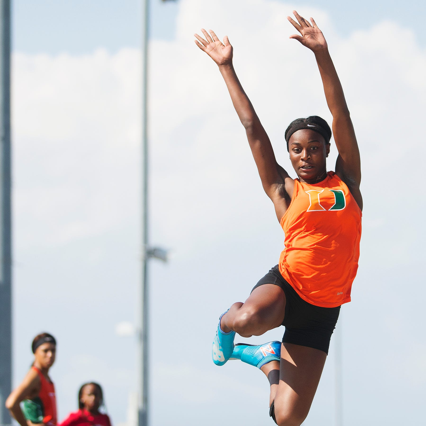 Track and field: Dunbar High sprints to boys, girls LCAC titles