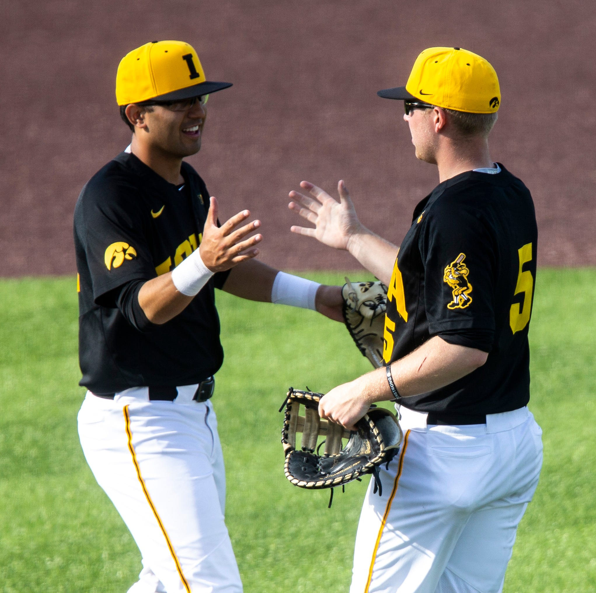 Hawkeyes miss out on Ohio State sweep, but another solid weekend keeps Iowa in postseason mix