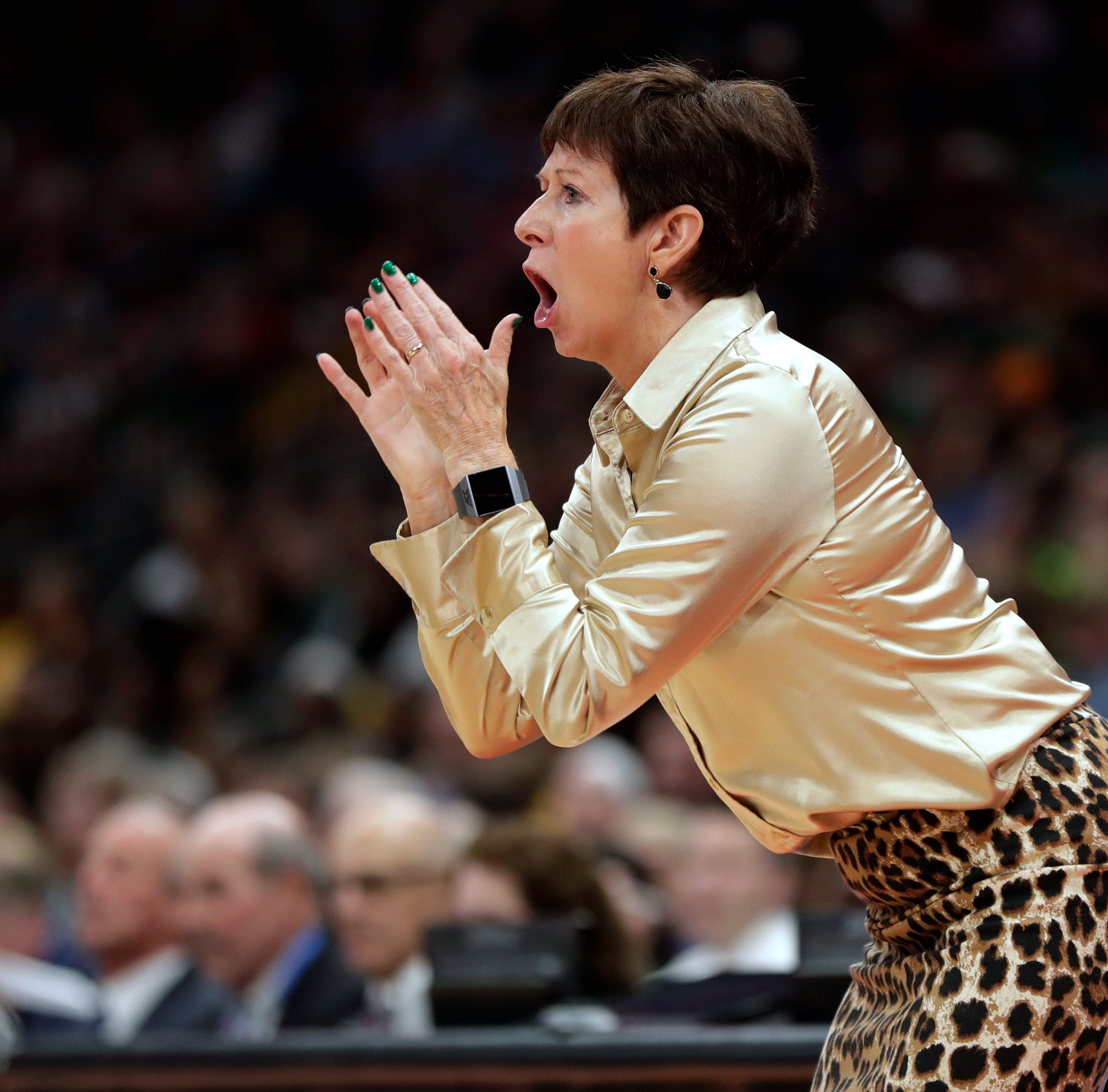 Twitter loves Muffet McGraw's dance moves after Notre Dame's Final Four win