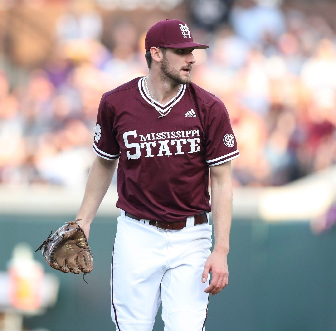 Mississippi State Bulldogs beat Tennessee Volunteers in extra innings