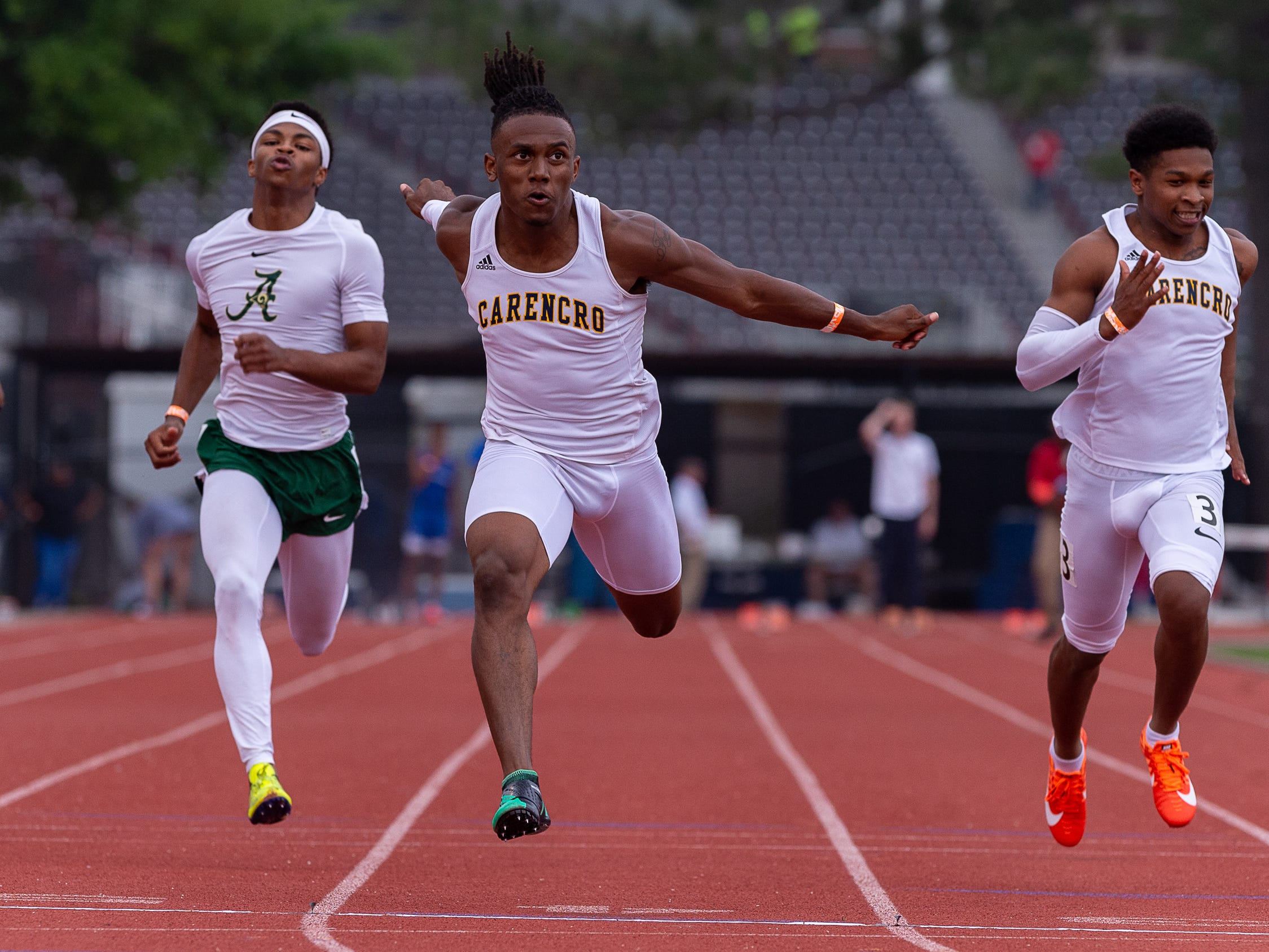 Trejun Jones wins heat 2 of the 100m dash at The 2019 Beaver Club Relays. Friday, April 5, 2019.