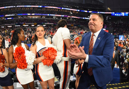 Apr 6, 2019; Minneapolis, MN, USA; Auburn Tigers head coach Bruce Pearl takes the floor prior to facing the Virginia Cavaliers in the semifinals of the 2019 men's Final Four at US Bank Stadium. Mandatory Credit: Robert Deutsch-USA TODAY Sports