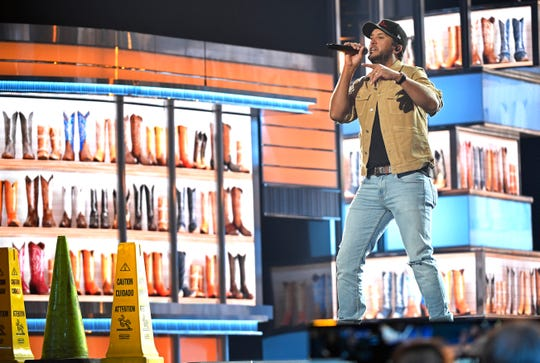"""Luke Bryan rehearses his new single """"Knockin' Boots"""" that he will be performing at the 54th Academy of Country Music Awards Friday, April 5, 2019, in Las Vegas, Nev."""