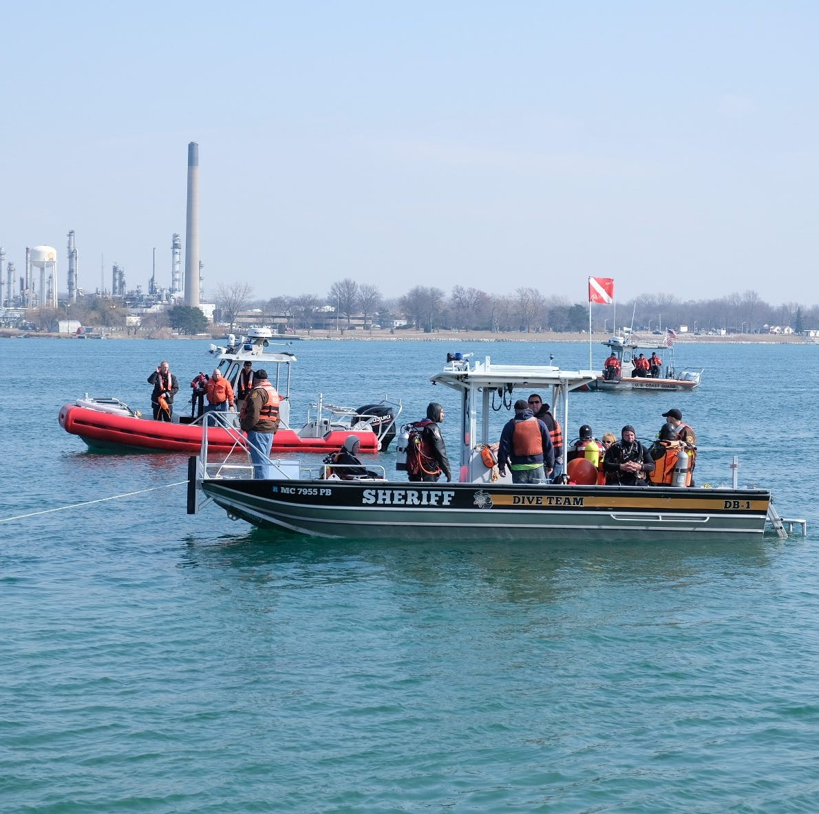 Vehicle rolls into St. Clair River outside Junction Buoy