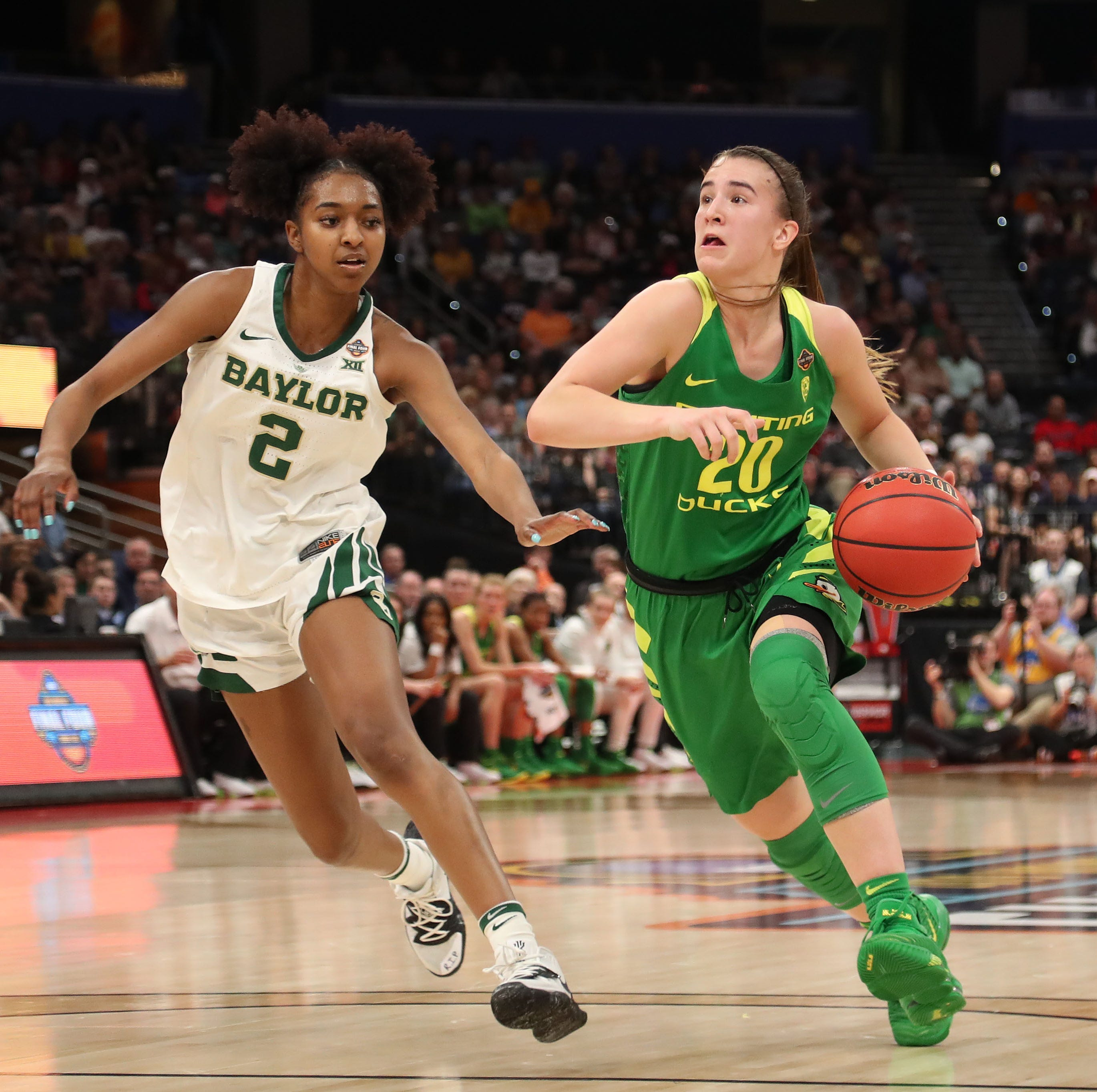 Oregon Ducks: Sabrina Ionescu announces she is returning for senior season