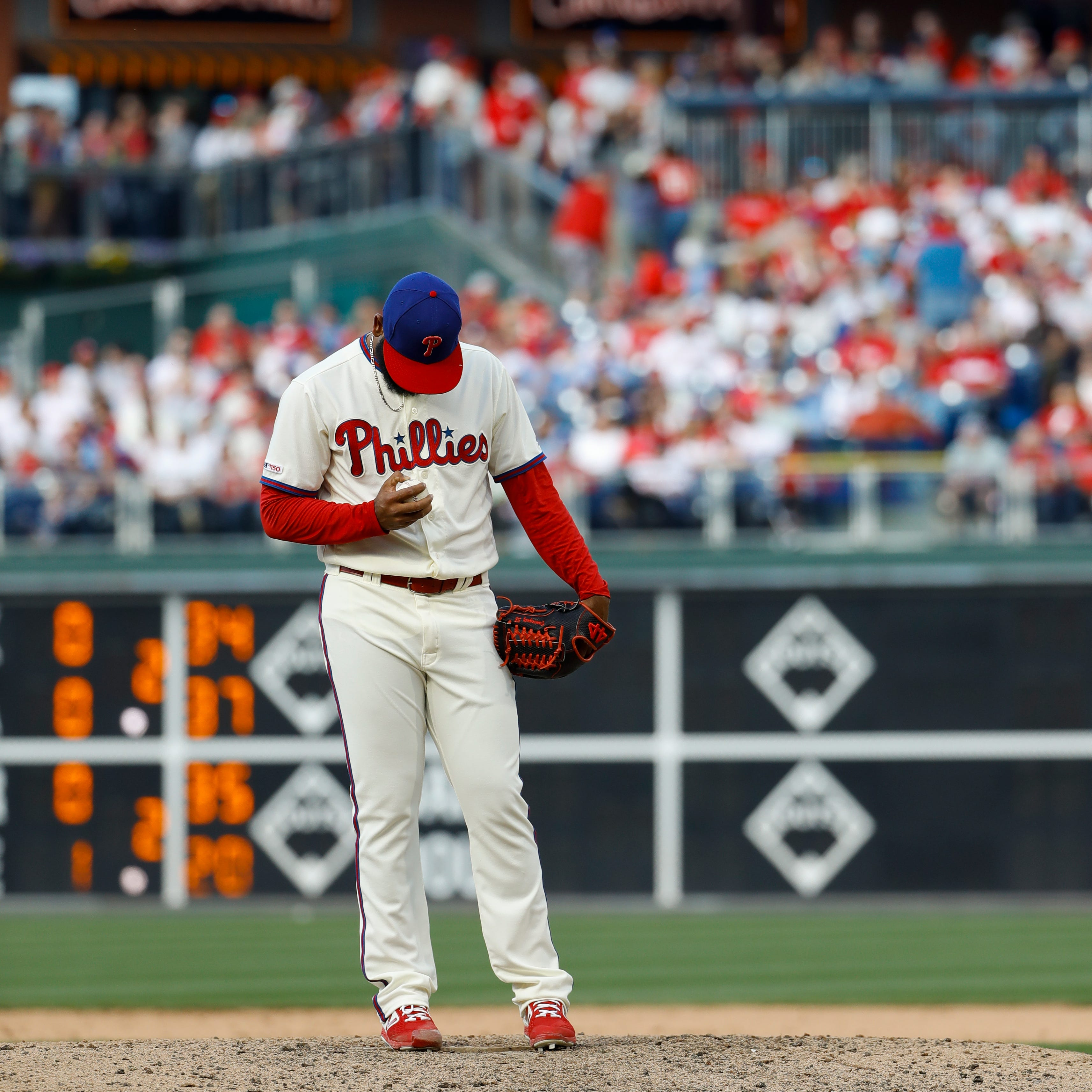 Bad inning by Seranthony Dominguez adds to Phillies' bullpen concerns